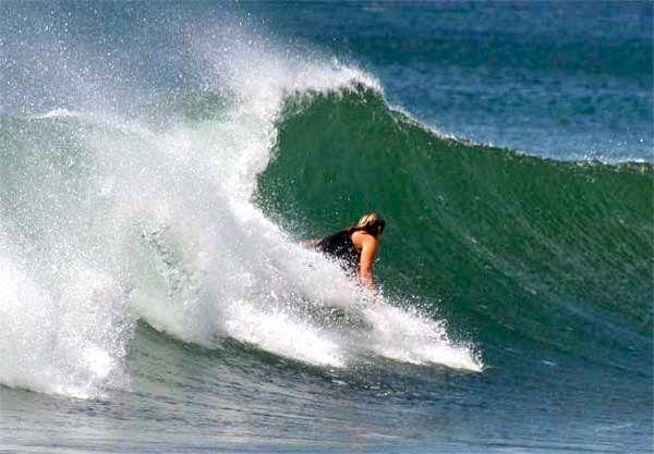 Surfing Playa Yankee Nicaragua