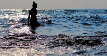 Swimming in the Ocean vs. Lakes/Pools: How to Stay Safe